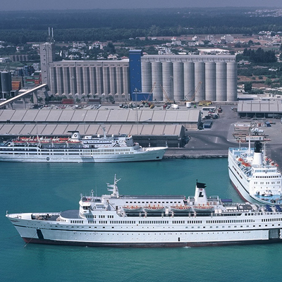 President of Cyprus opens new cruise terminal at DP World Limassol
